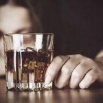 12 pazīmes, ka tu esi alkoholiķis