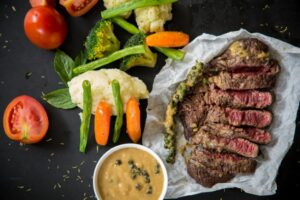 Kā un cik ilgi vārīt liellopa gaļu